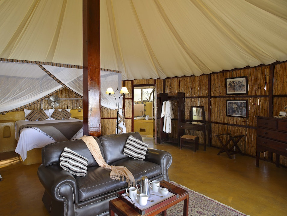 Zambezi National Park in Style at Sausage Tree Camp, Zambia Luangwa  Zambia