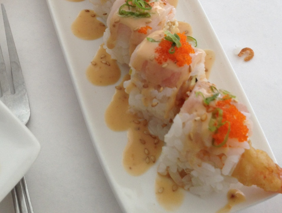 Gindi Thai - Great Thai AND sushi in one sunny spot