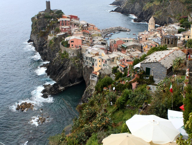 Walking on the edge of the Italian Riviera