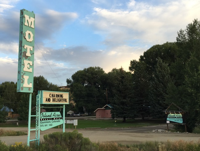 Family-Run Rooms with Kitchenettes, on the Gunnison River