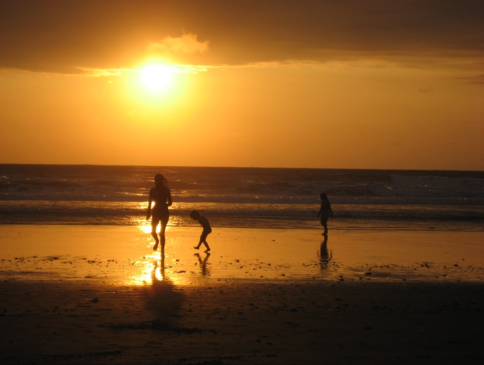 Gawp at Canoa Beach's Spectacular Sunset Canoa  Ecuador