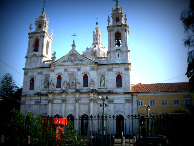 A Romantic Garden and a Basilica in Lisbon