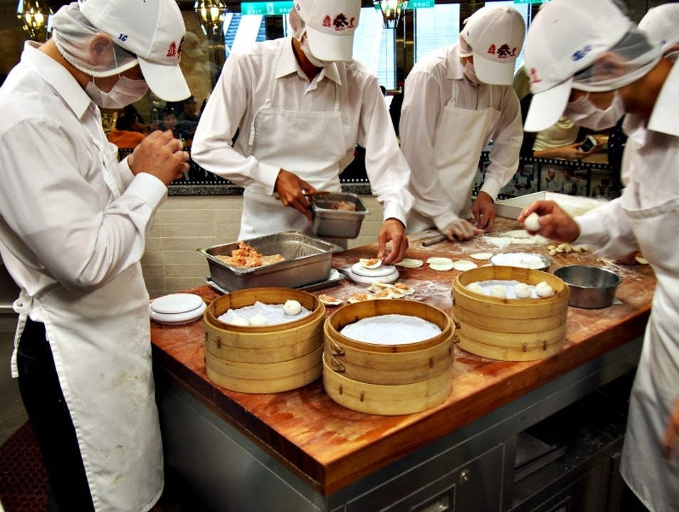The Best Dumplings in Taipei: Din Tai Fung Taipei  Taiwan