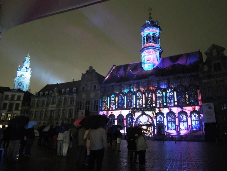 Mons light show