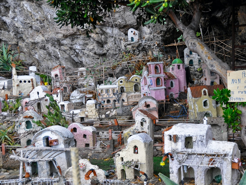 Amalfi Coast Nativity Scenes