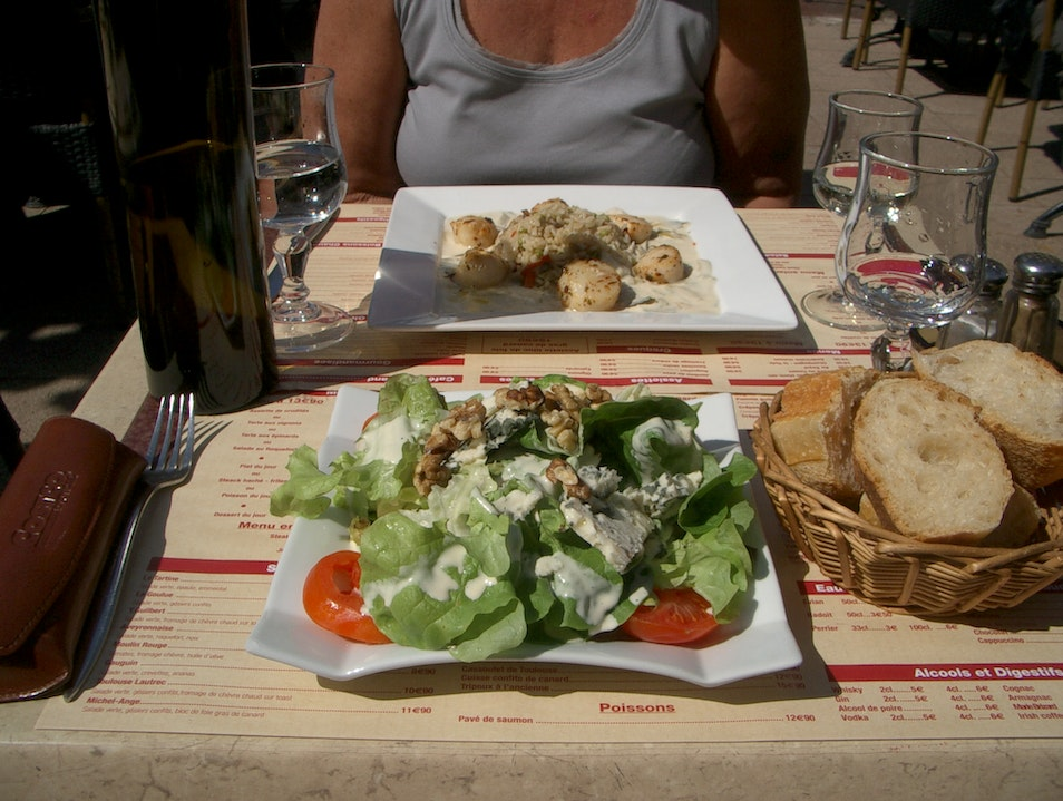 Lunch At The Salon de Thé in Albi, France