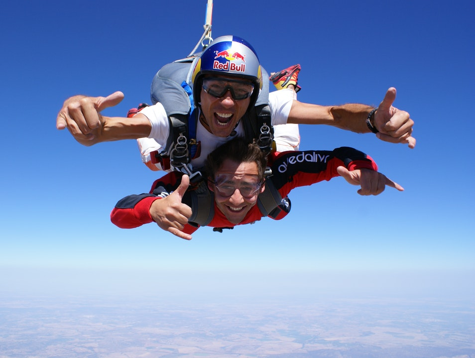The Wow Factor! - International Skydiving Center