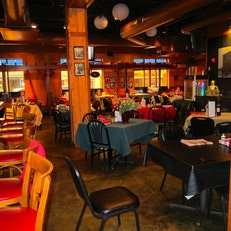 Capone's Restaurant & Pizzaria
