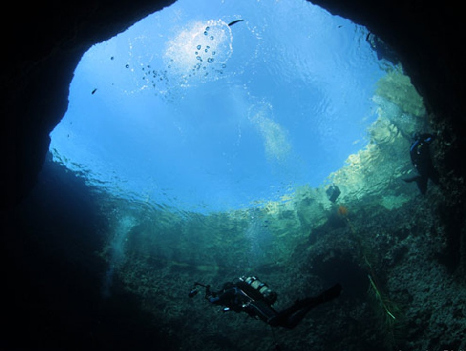Scuba Diving Site: The Blue Hole & The Chimney