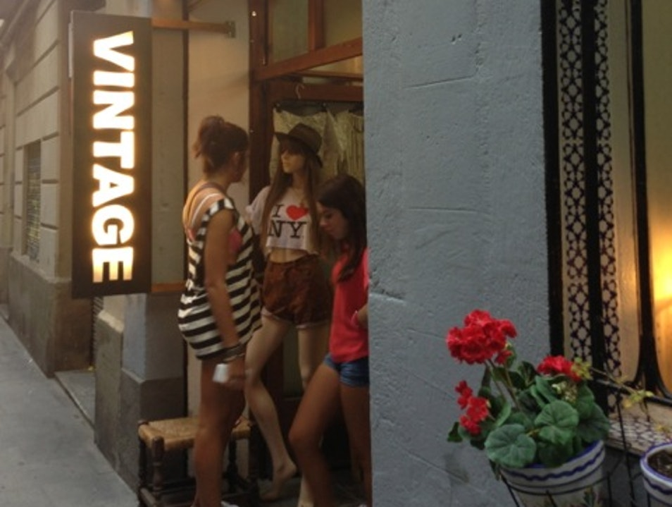 Shop vintage clothes from around Europe and original Love Vintage designs Barcelona  Spain