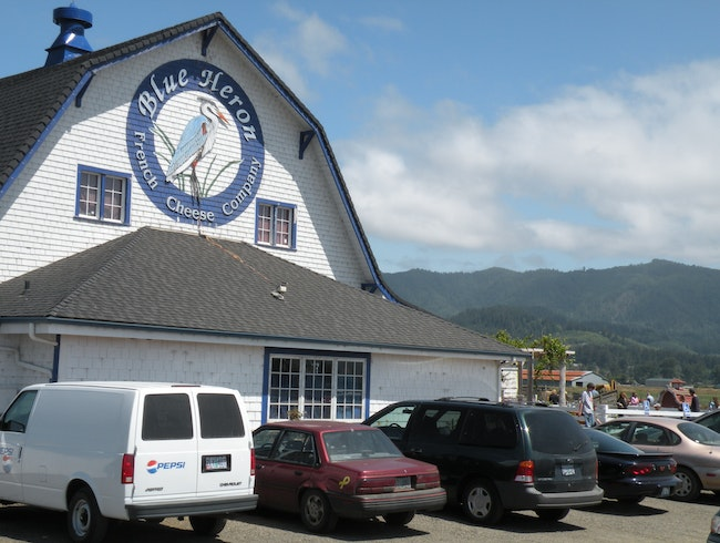 Great place to stop for local cheese and wine in Oregon