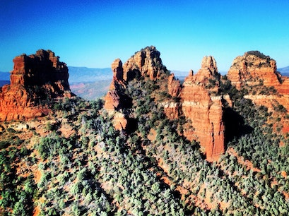 Sedona Hike Trail - Snoopy Rock Climb Sedona Arizona United States