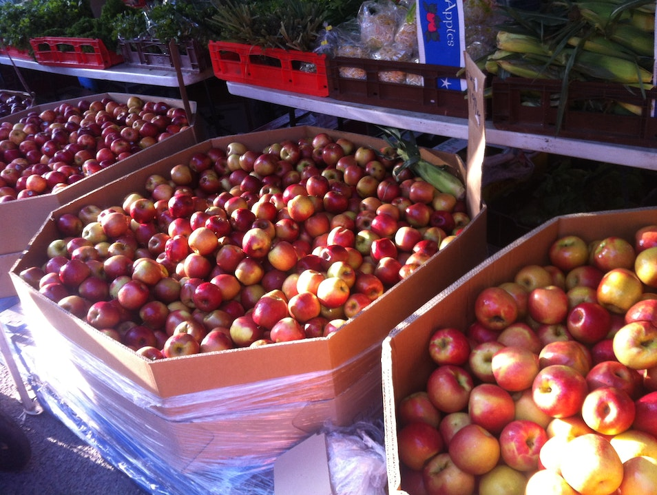 Saturday morning Farmers Markets in West End