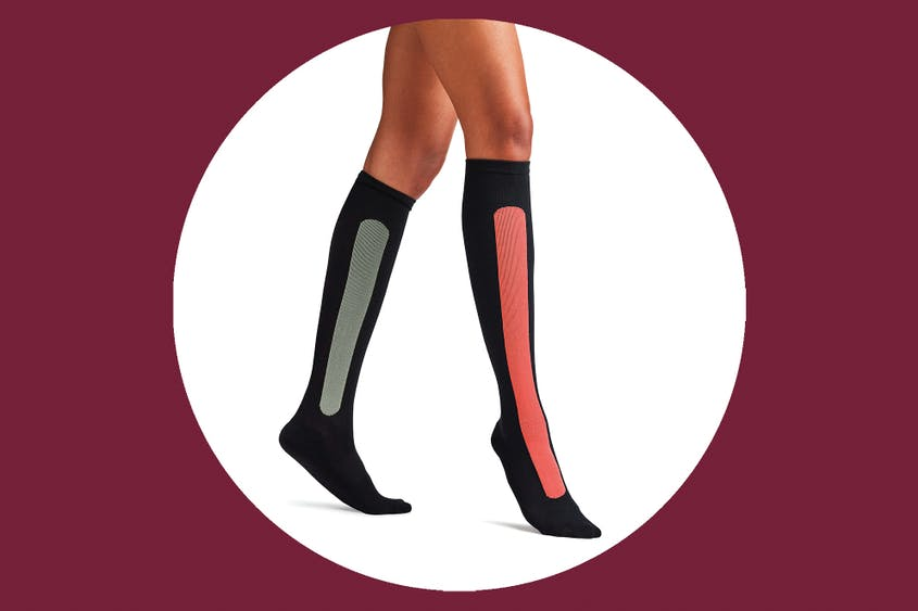 Ostrichpillow bamboo compression socks in red/green