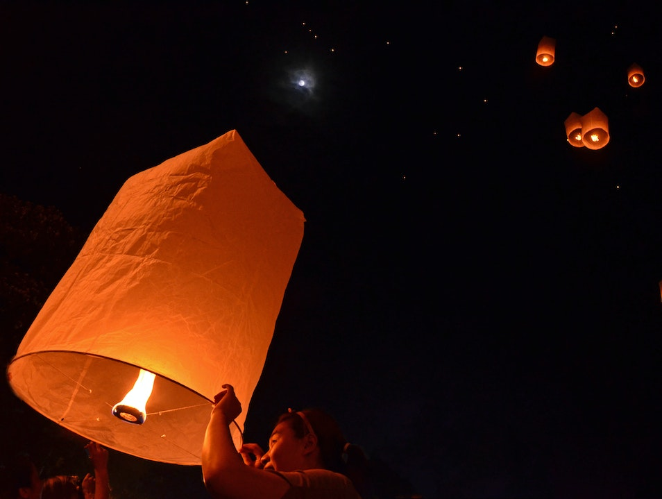 Releasing Lanterns in Chiang Mai