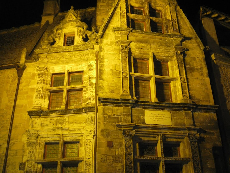 Experience the medieval town of Sarlat at night   Earth