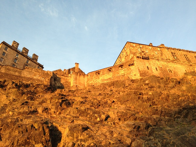 See the majestic Edinburgh Castle!