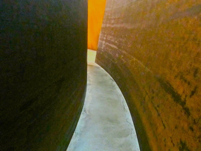 Losing yourself in Richard Serra, Guggenheim