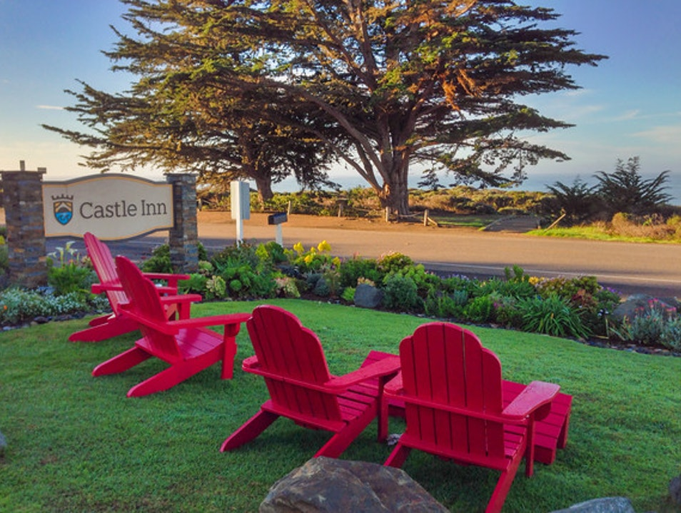 Castle Inn: Perfect for Beach Sunsets Cambria California United States