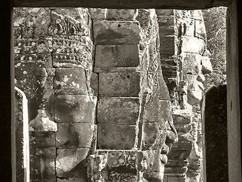 The Egnimatic Faces of Bayon