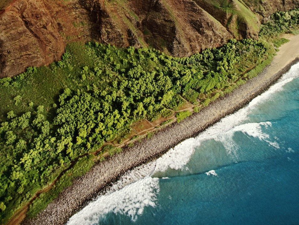 Hawaii's Hiking Paradise: The Nā Pali Coast  Hawaii United States