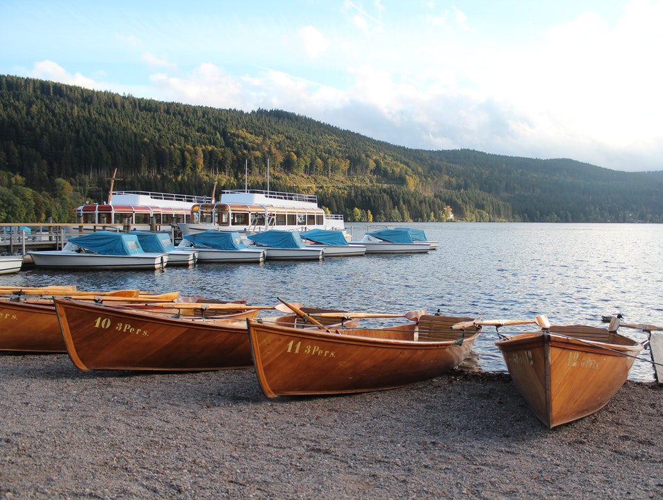 Lake Titisee's Scenic Waters Hinterzarten  Germany