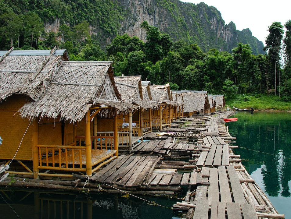 Stay: Raft Bungalows