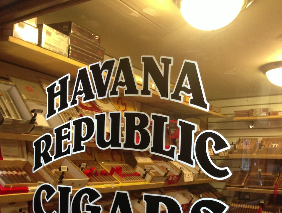 Smoke a Cuban-style Cigar at Havana Republic Cigars Fort Lauderdale Florida United States