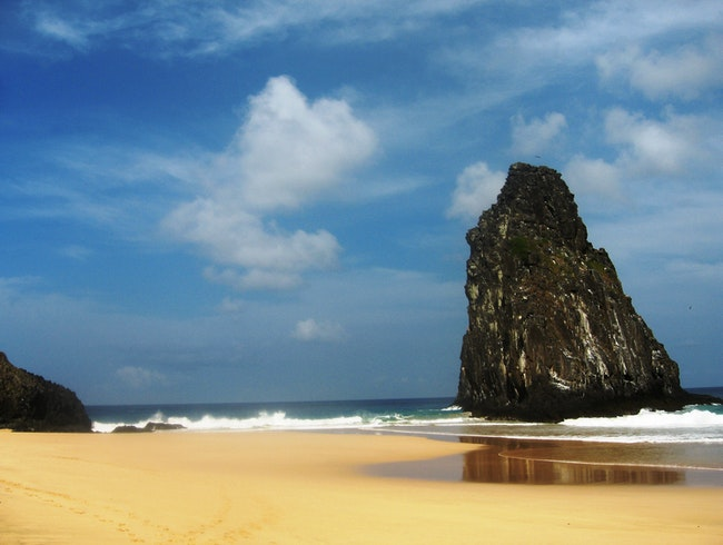 Explore Fernando de Noronha with Blue Parallel