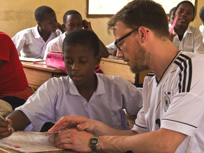 Volunteer in Tanzania with help2kids