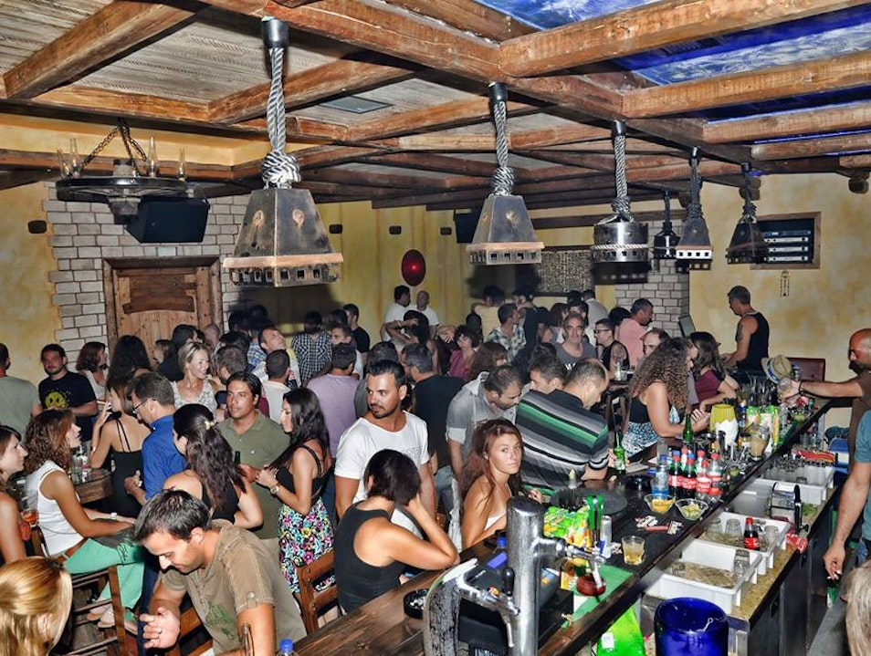 Laid-Back Nightlife And Live Music At Loco Bar