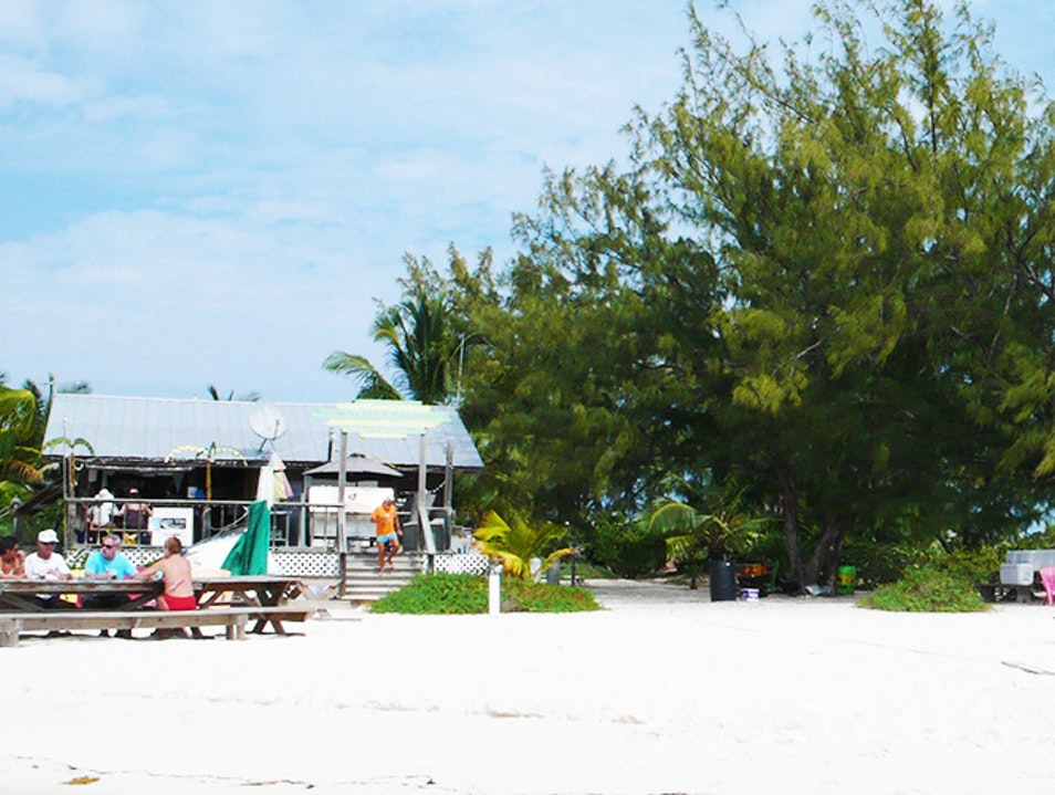 Chat 'N' Chill  George Town  The Bahamas