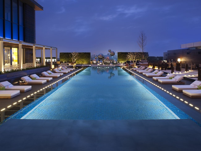Cool Down in Style at WET Bar & Rooftop Pool
