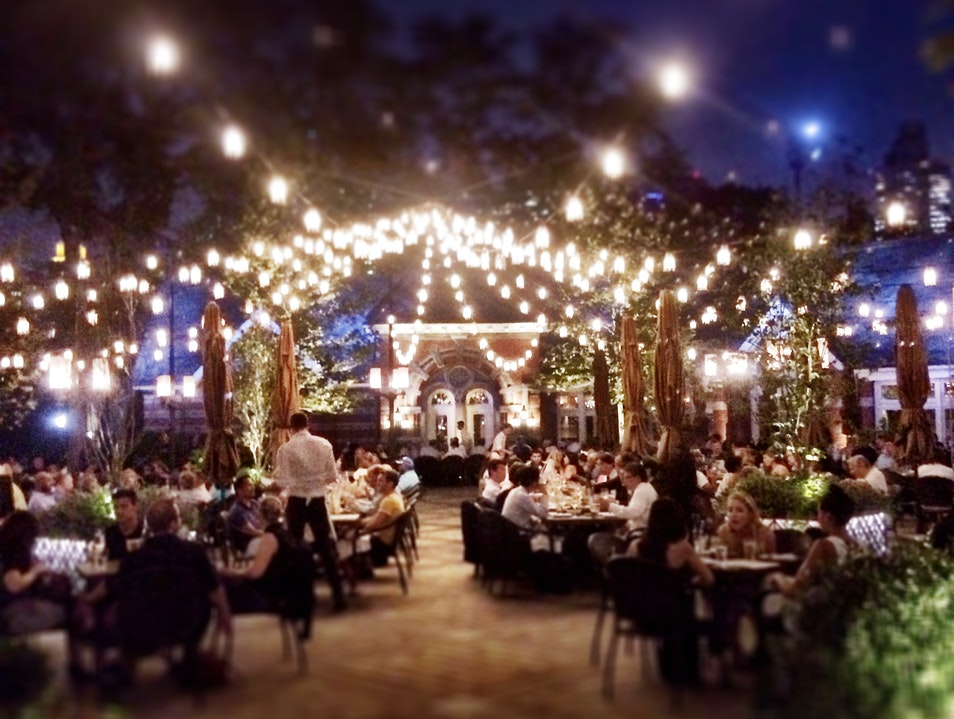 Dine Under The Lights of Tavern On The Green