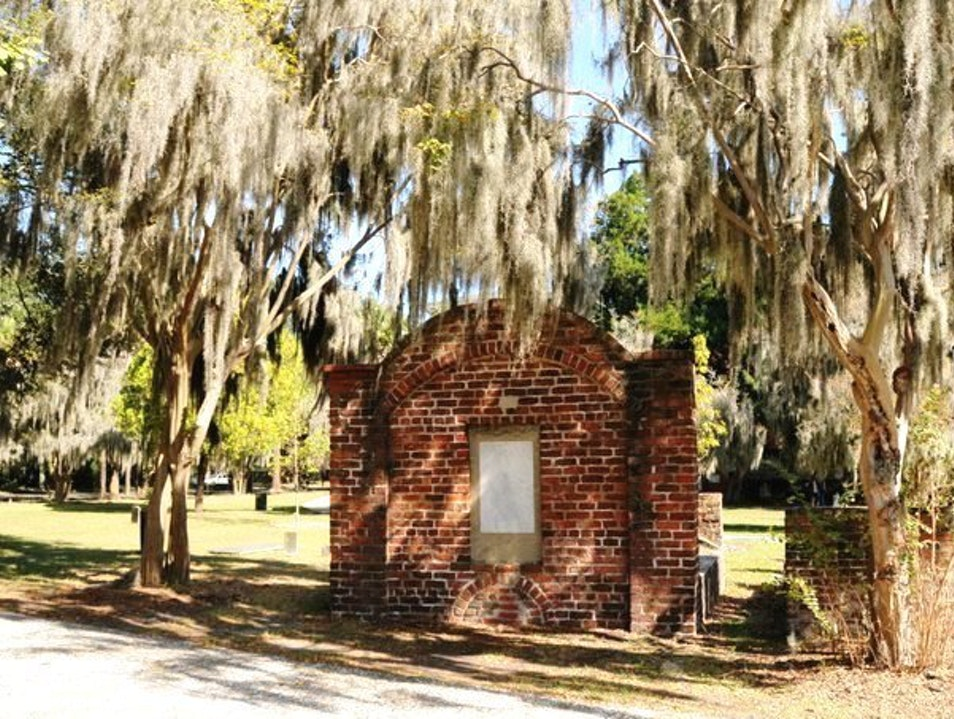 Take In the History of Savannah's Colonial Park Cemetery