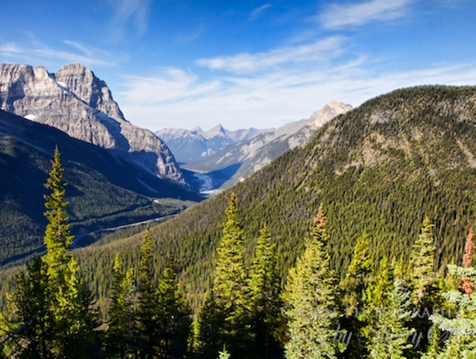 Hiking to the Views in Yoho Park
