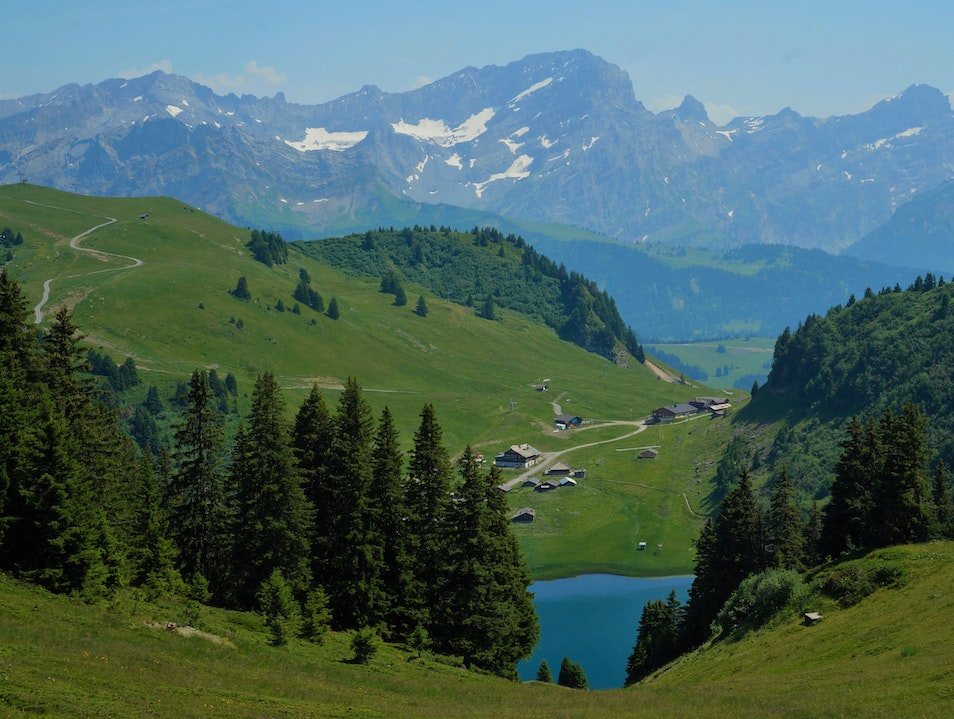 Go iconic mountain spotting in the Vaud Alps