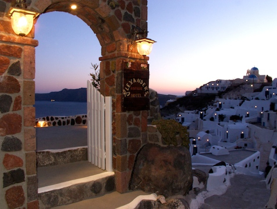 Troglodyte Lodgings: Alexander's Boutique Hotel of Oia in Santorini, Greece Oia  Greece
