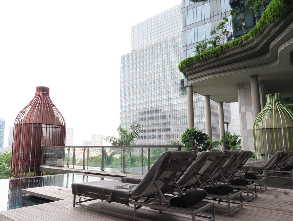 An Eco-Friendly Luxury Hotel in Central Singapore