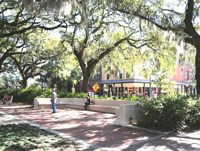 Savannah's Squares:  Perfect for Lemonade and People Watching