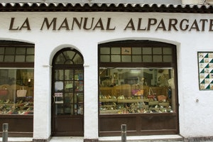 Top 5 Artisan and Art Shops in Barcelona