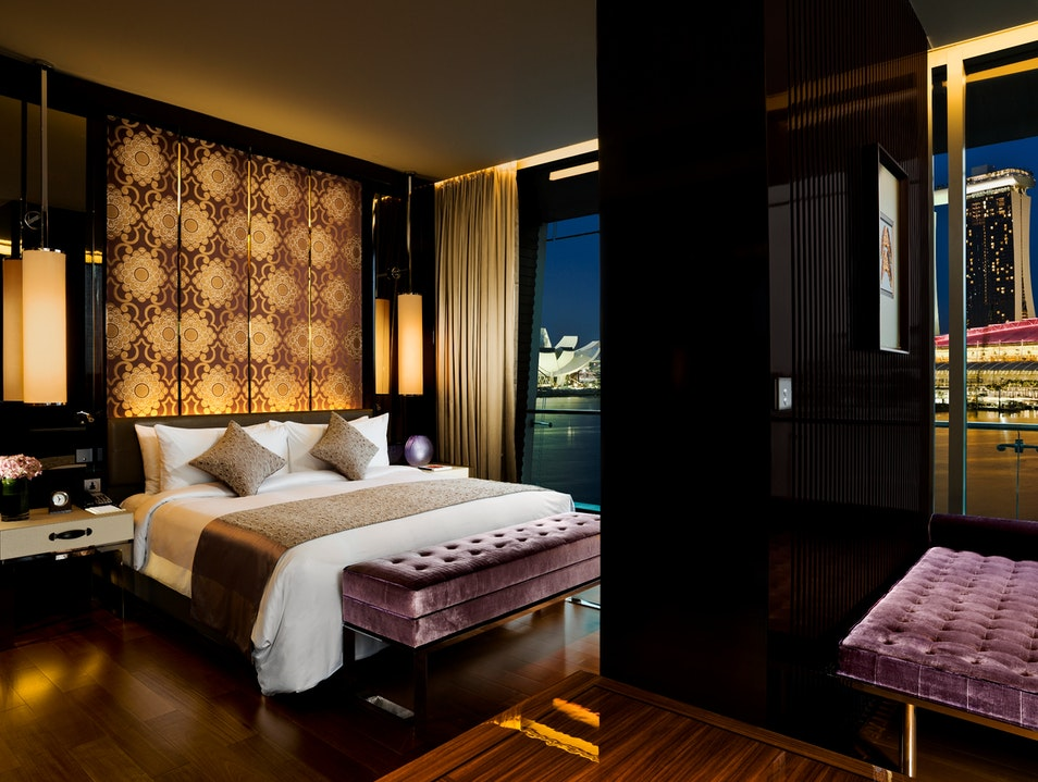 A Glamorous Stay on Marina Bay