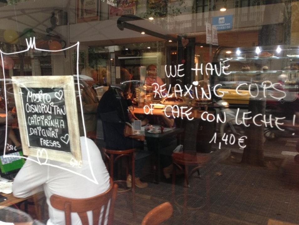 "Have a relaxing ""cup of café con leche"" Barcelona  Spain"