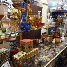 Lick's Antiques Mall