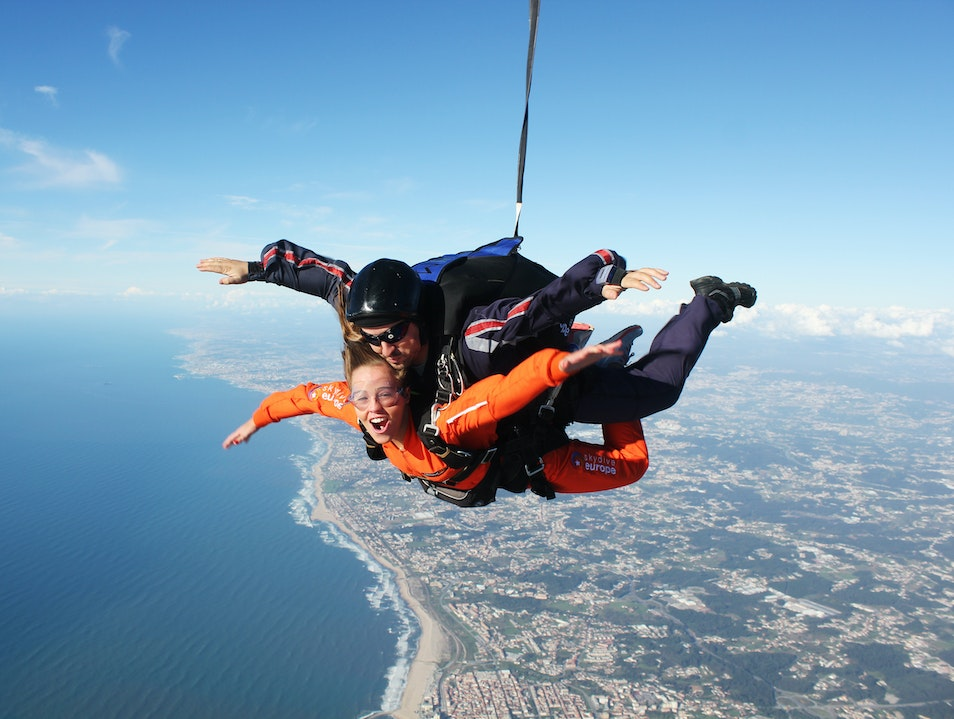 Jump over the beach! - Skydive Europe Espinho   Portugal