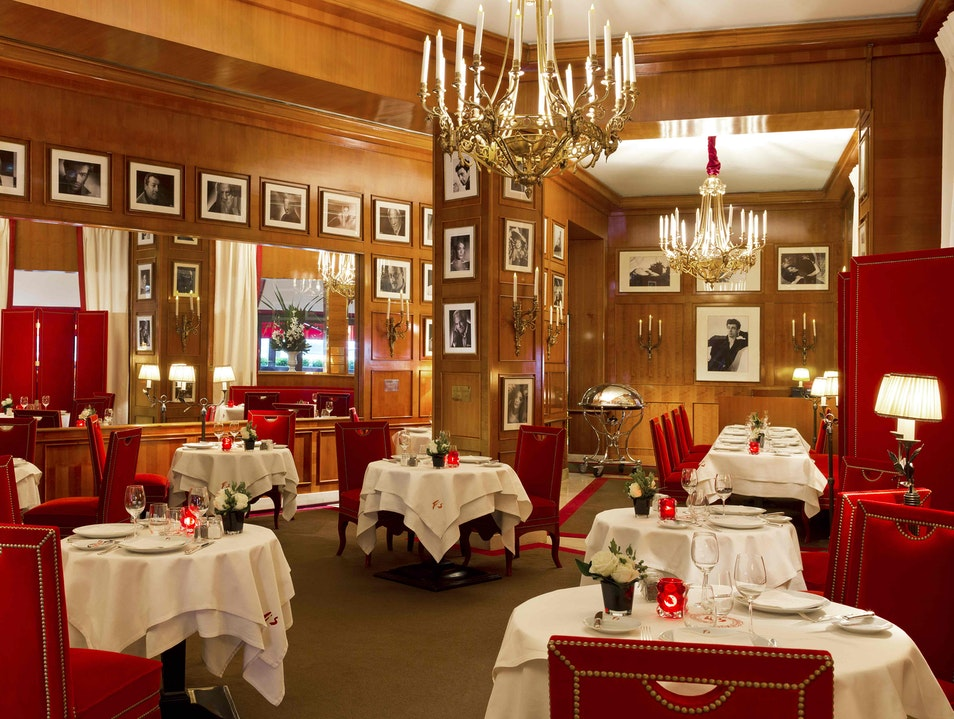 Where the Well-Heeled Parisians Lunch