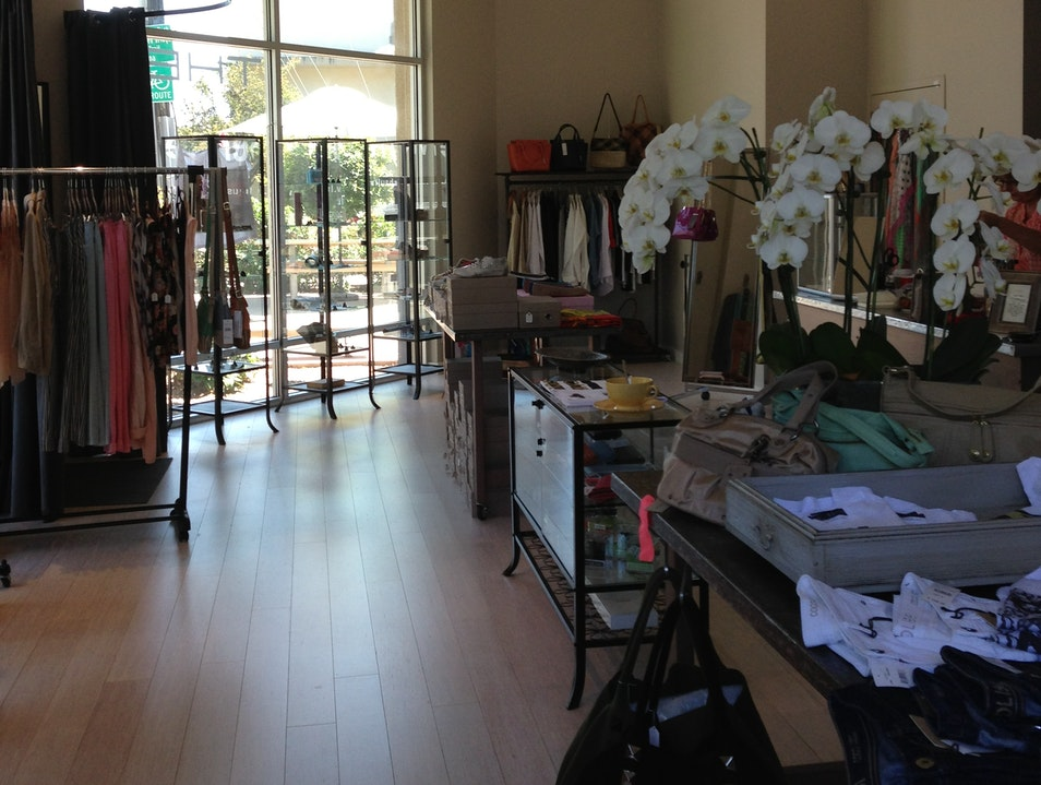Thea - Curated European Styles on Fourth Street Berkeley California United States