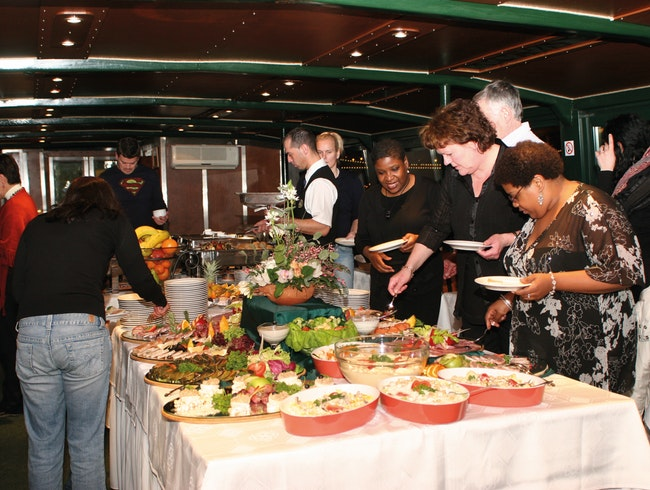 Dinner & Cruise on the Danube with live music