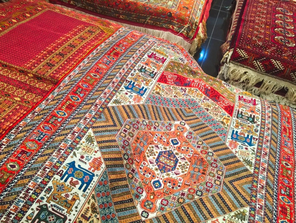 Haggling for carpets in Bukhara. Not.