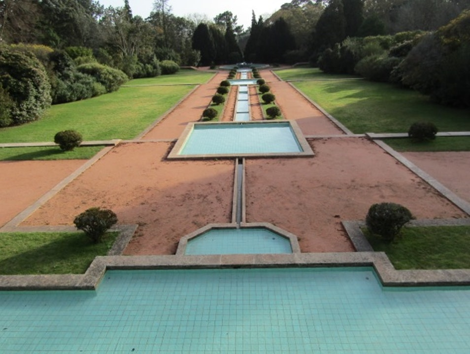 Admire contemporary masterpieces and stroll the grounds